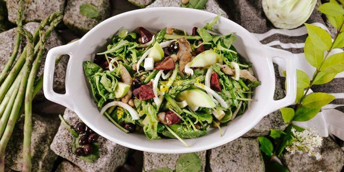 Bluzone@home recept: Fitfood Salade met kipfilet en balsamico-sinaasappel dressing